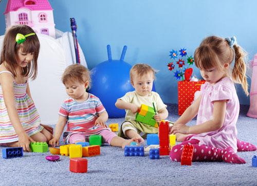 Участие взрослых в играх детей