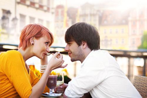 Признаков влюбленности у девушек