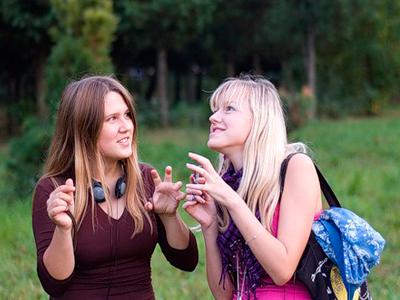 Обман на языке жестов и мимики
