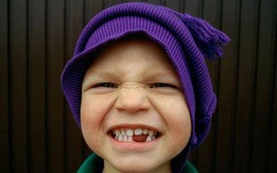 выбитый зуб