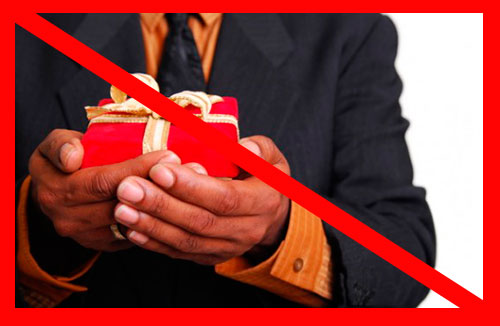Из-за чего мужчина не дарит подарки