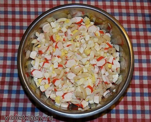 рецепт салата с крабовыми палочками, яйцами, кальмарами