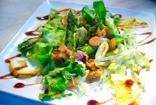 салат с морским коктейлем маринованным рецепт с фото