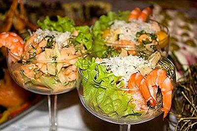 Рецепты салатов из крабовых палочек, креветок или кальмаров