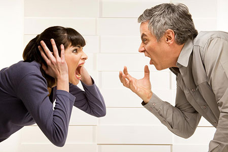как возникает конфликт в отношениях