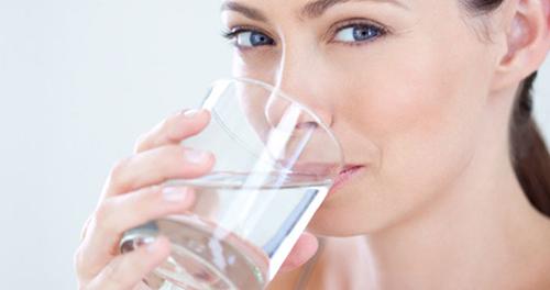 Пьем достаточное количество воды